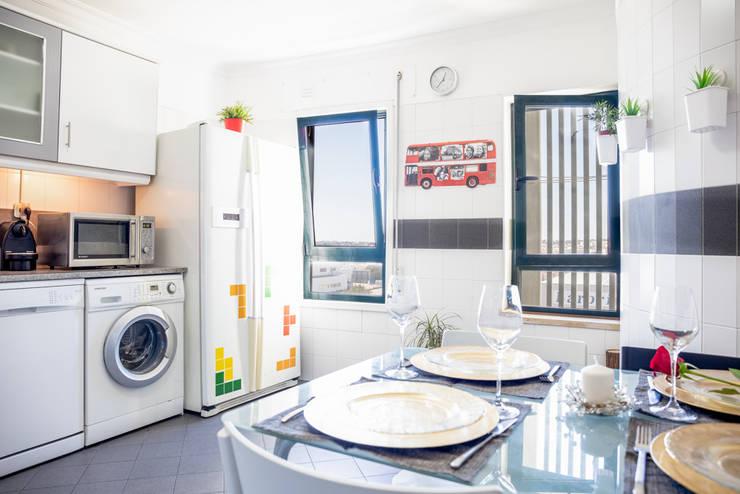 Küche von HOUSE PHOTO