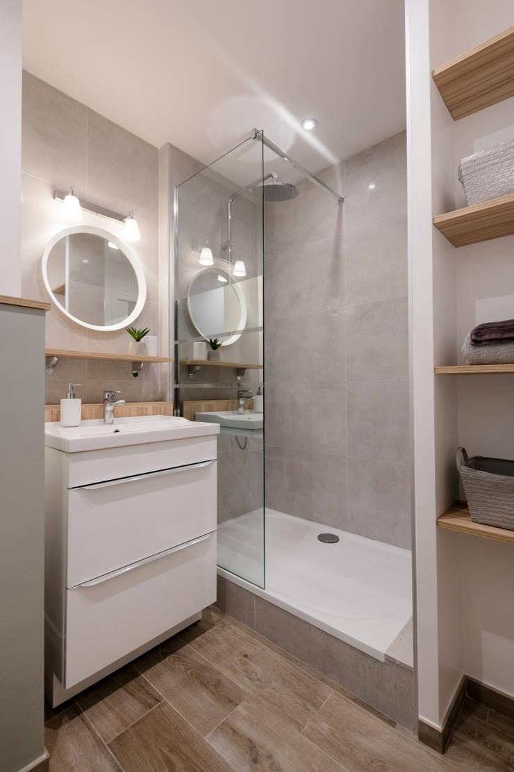 Chez Sophie et Philippe: Salle de bains de style  par Camille BASSE, Architecte d'intérieur,
