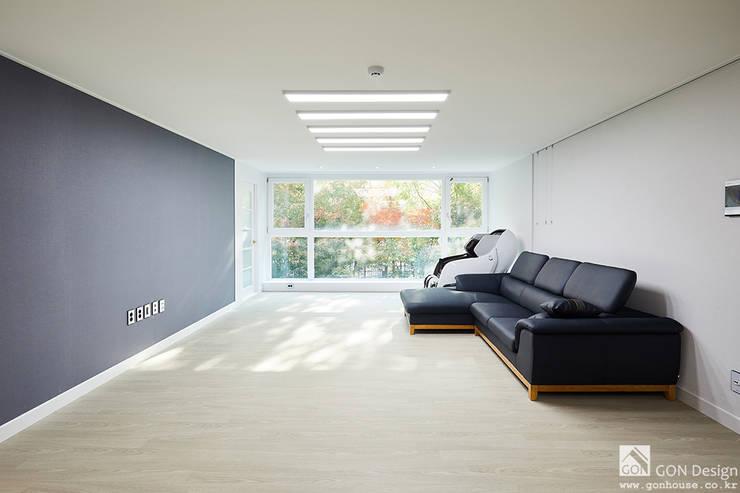 거실인테리어: 곤디자인 (GON Design)의  거실,모던