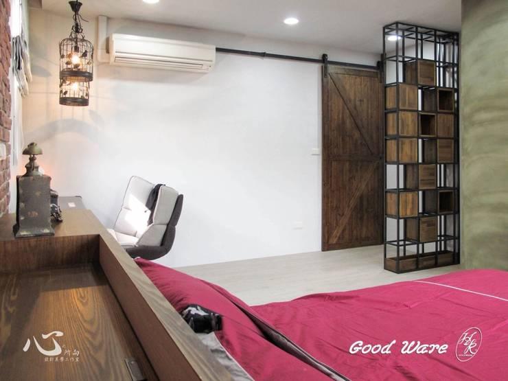 2樓女兒房:  臥室 by 台中室內設計裝修|心之所向設計美學工作室