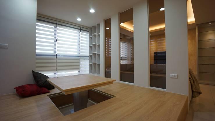 複合式空間:  地板 by 璞玥室內裝修有限公司,