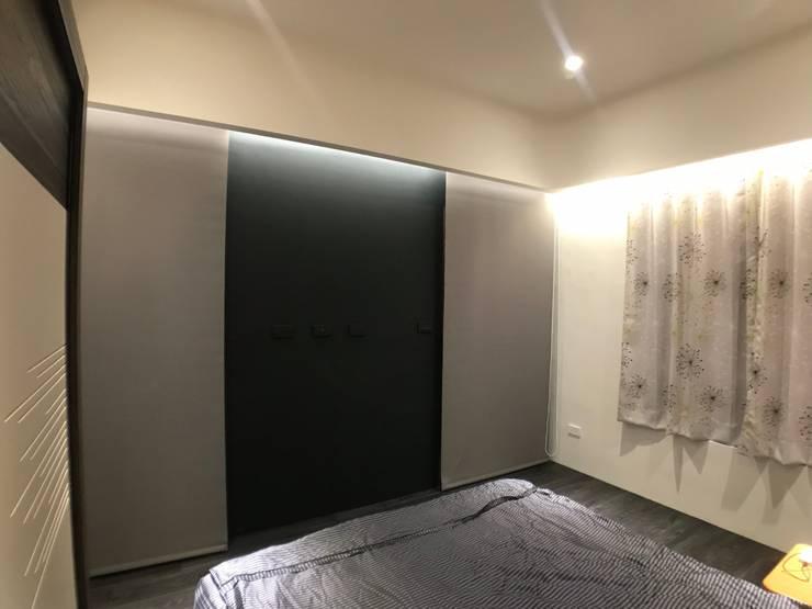 主臥電視牆變化後:   by 台中室內設計裝修 心之所向設計美學工作室