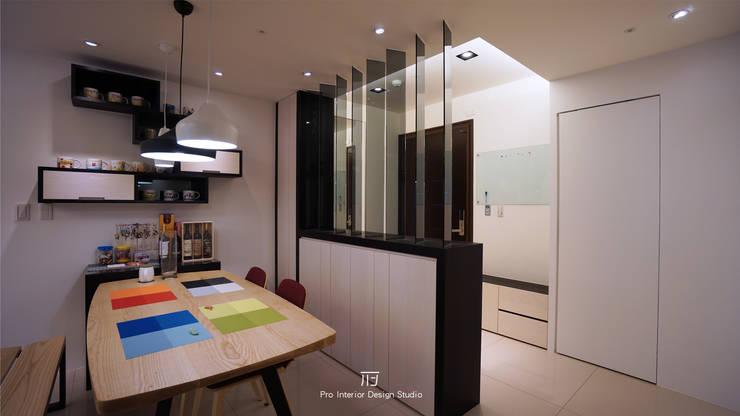 餐廳空間:  餐廳 by 璞玥室內裝修有限公司
