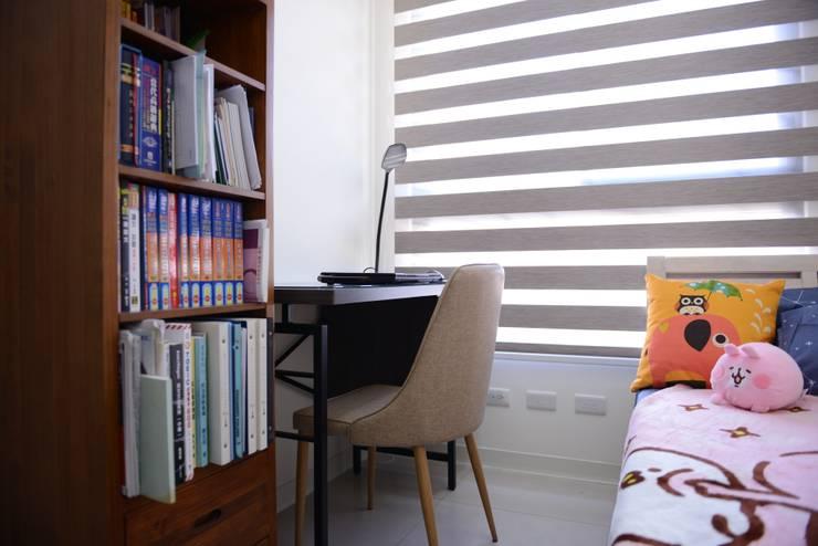 小孩房:  臥室 by 台中室內設計裝修 心之所向設計美學工作室