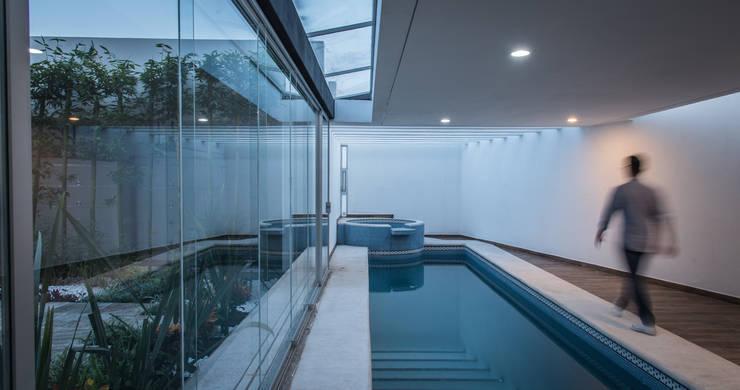 Pool by Oscar Hernández - Fotografía de Arquitectura, Modern
