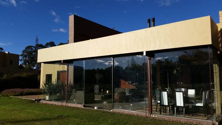 PRADERA DE POTOSI: Casas de estilo  por Escarra arquitectos y asociados SAS