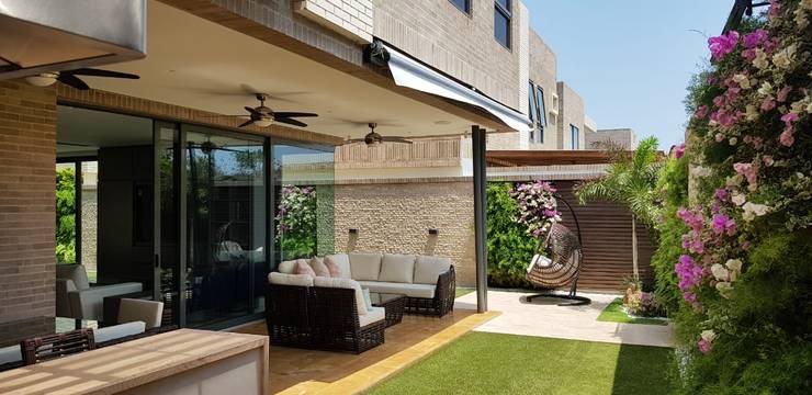 Terraza Casa Barranquilla DF: Balcones y terrazas de estilo  por P&P home decor