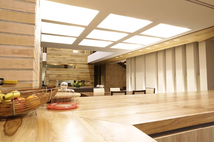 Casa VM  Carpinteria Arquitectonica : Cocinas de estilo  por Intrazzo Mobiliairo