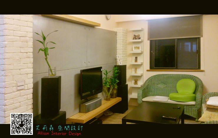 仿清水模電視牆:  牆面 by 艾莉森 空間設計