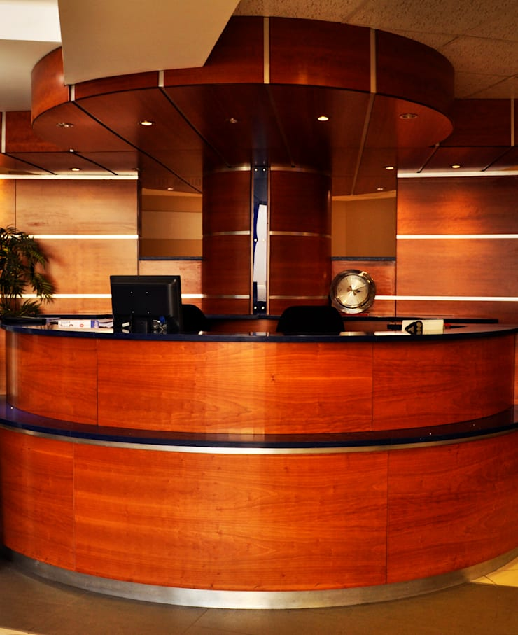 Swaziland Revenue Authority Reception Area:  Study/office by Durban Shopfitting & Interiors, Modern