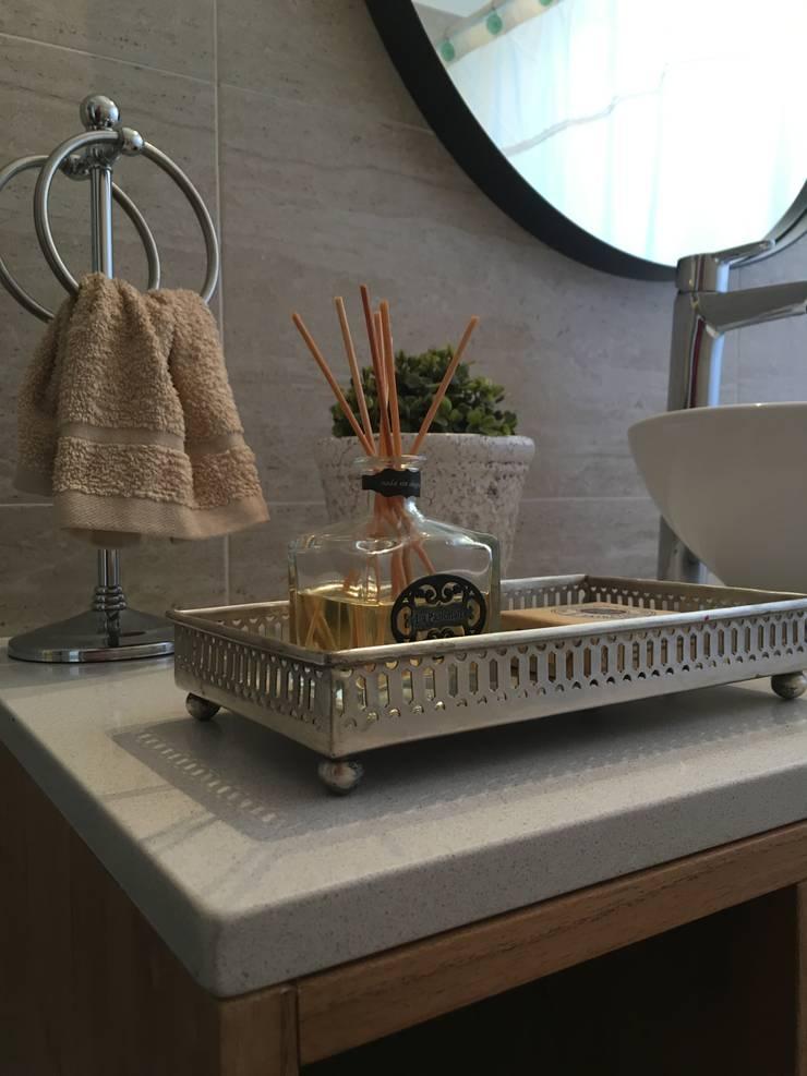 Baños de estilo  por Estudio Qpi , Moderno Piedra