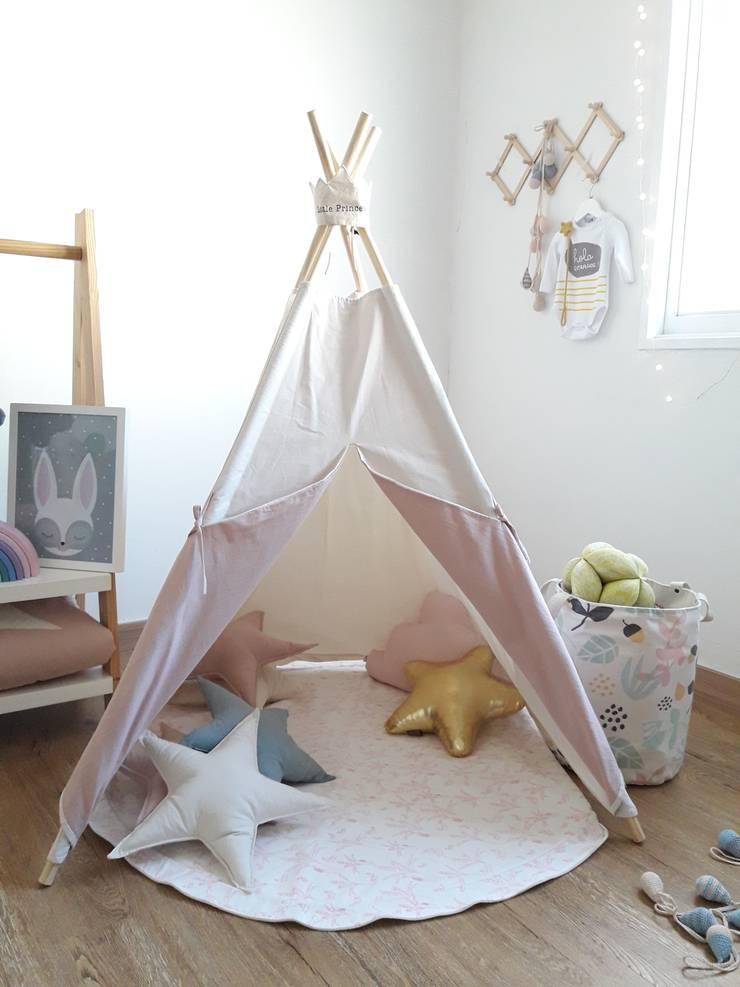 CARPITA EN LIENZO modelo bajo: Dormitorios infantiles  de estilo  por ANDALAOSA TIENDA DECOKIDS,