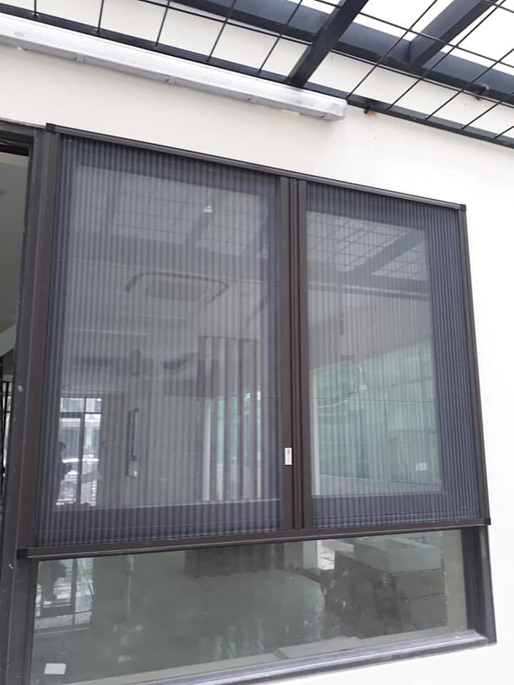 CUA LUOI CHONG MUOI XEP:  Windows & doors  by CỬA LƯỚI CHỐNG MUỖI VIỆT NHẬT gọi 0908387444