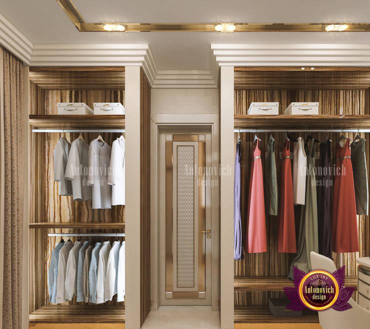 "Sleek Luxury Closet Interior Design: {:asian=>""asian"", :classic=>""classic"", :colonial=>""colonial"", :country=>""country"", :eclectic=>""eclectic"", :industrial=>""industrial"", :mediterranean=>""mediterranean"", :minimalist=>""minimalist"", :modern=>""modern"", :rustic=>""rustic"", :scandinavian=>""scandinavian"", :tropical=>""tropical""}  by Luxury Antonovich Design,"
