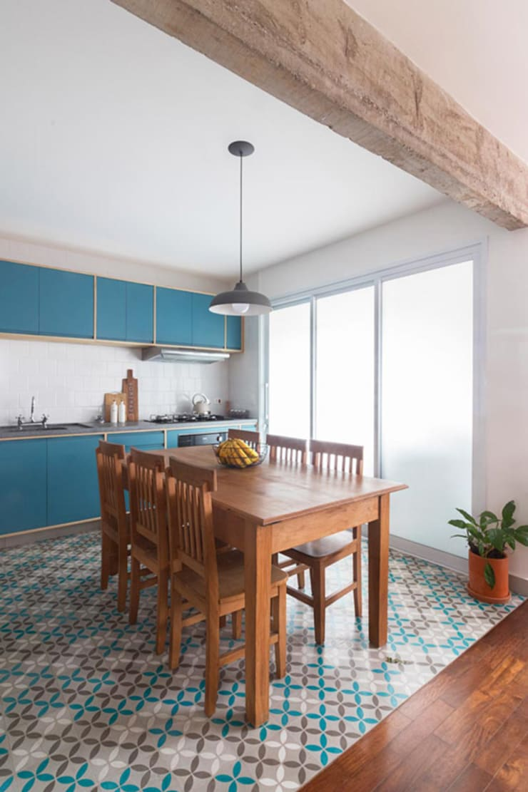 Built-in kitchens by INÁ Arquitetura