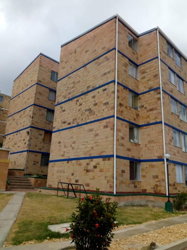 Pintura de Vigacintas: Casas multifamiliares de estilo  por Construcciones Gomo S.A.S,