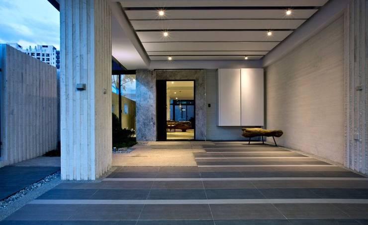 景觀設計 | 白色方盒建築:  別墅 by 大桓設計顧問有限公司
