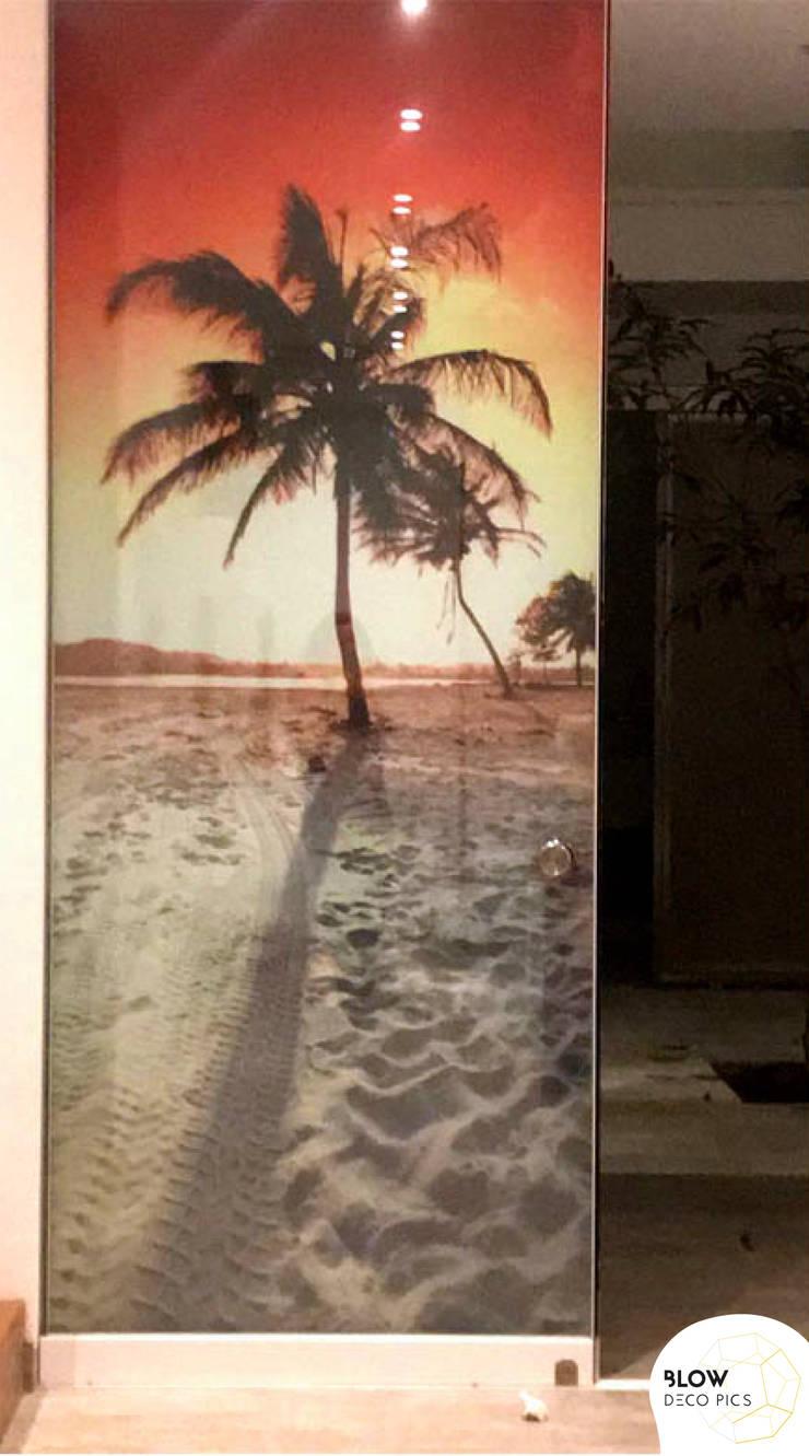 Decoración de Casa de Playa: Puertas de estilo  por Blow Deco Pics