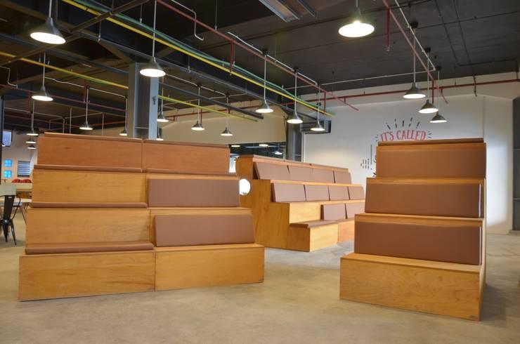Tujuh Ruang:  Ruang Komersial by Atelier Ara