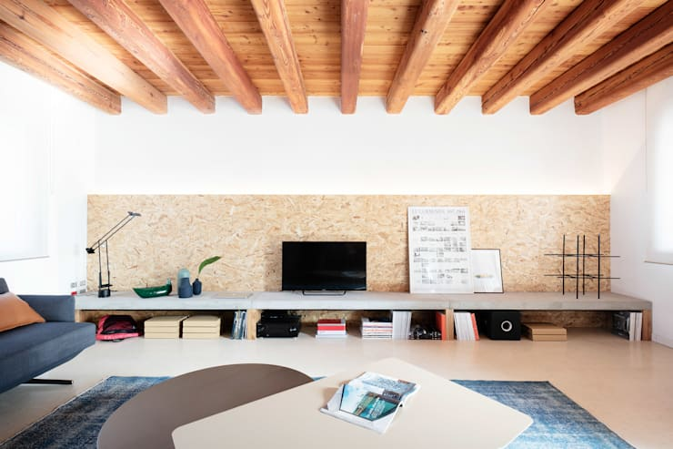 Ruang Keluarga oleh Didonè Comacchio Architects, Minimalis