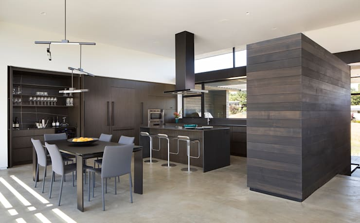 The Meadow Home:  Kitchen by Feldman Architecture