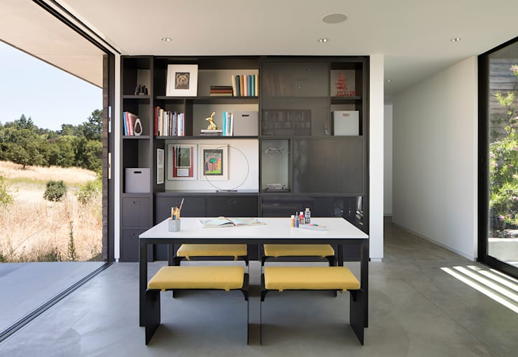 The Meadow Home:  Dining room by Feldman Architecture