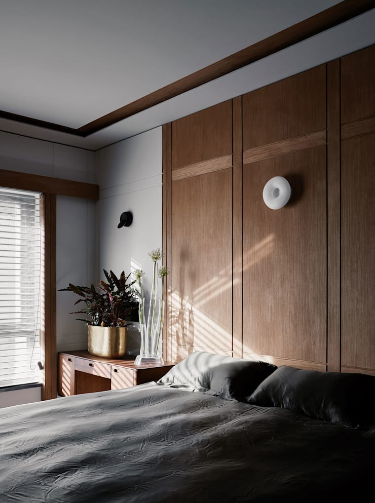 BEDROOM:  Small bedroom by ARCHISTRY design&research office