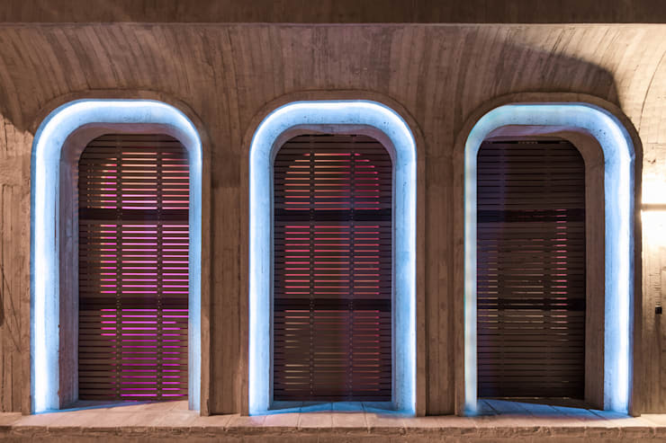 FACADE:  Doors by ARCHISTRY design&research office, Classic