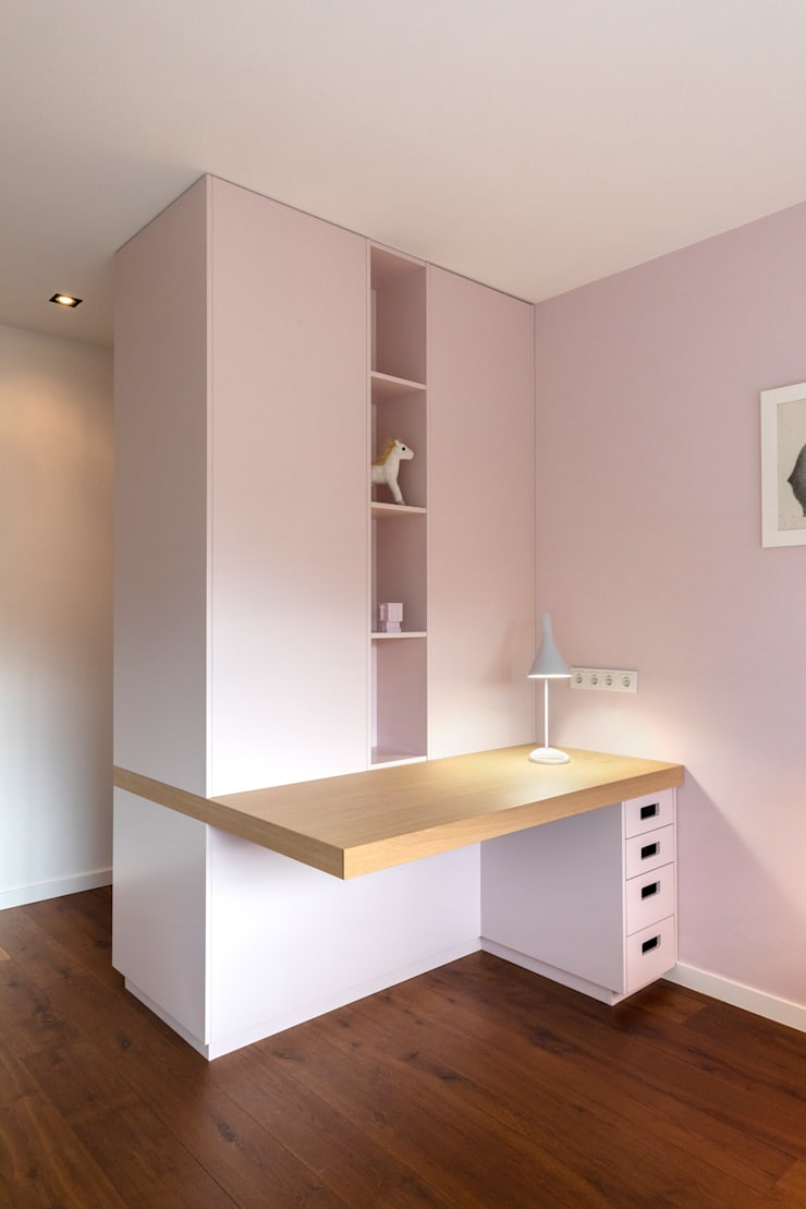 Meisjes slaapkamer: modern  door De Nieuwe Context, Modern Hout Hout