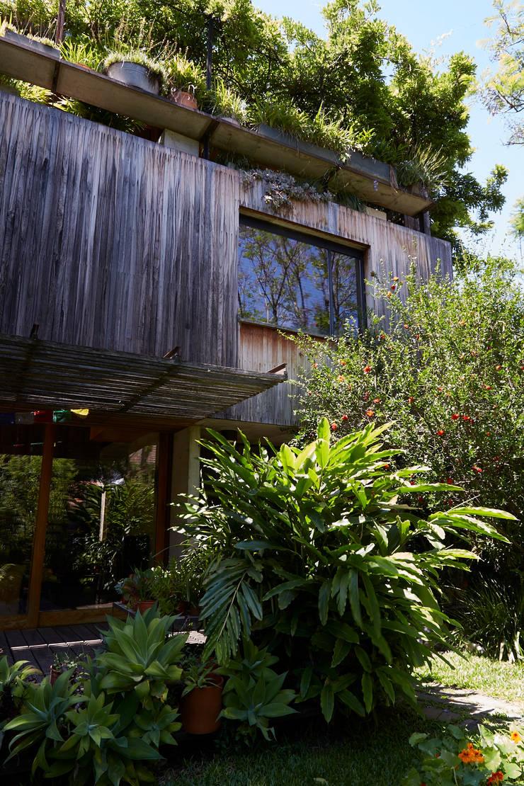 CASA OLIVOS: Casas de estilo  por STICOTTI,