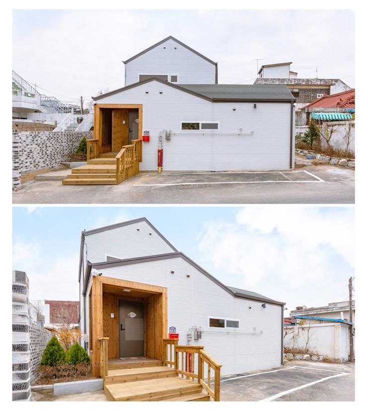 김병만이 어머님께 지어드린 효자주택: 공간제작소(주)의  복도 & 현관,