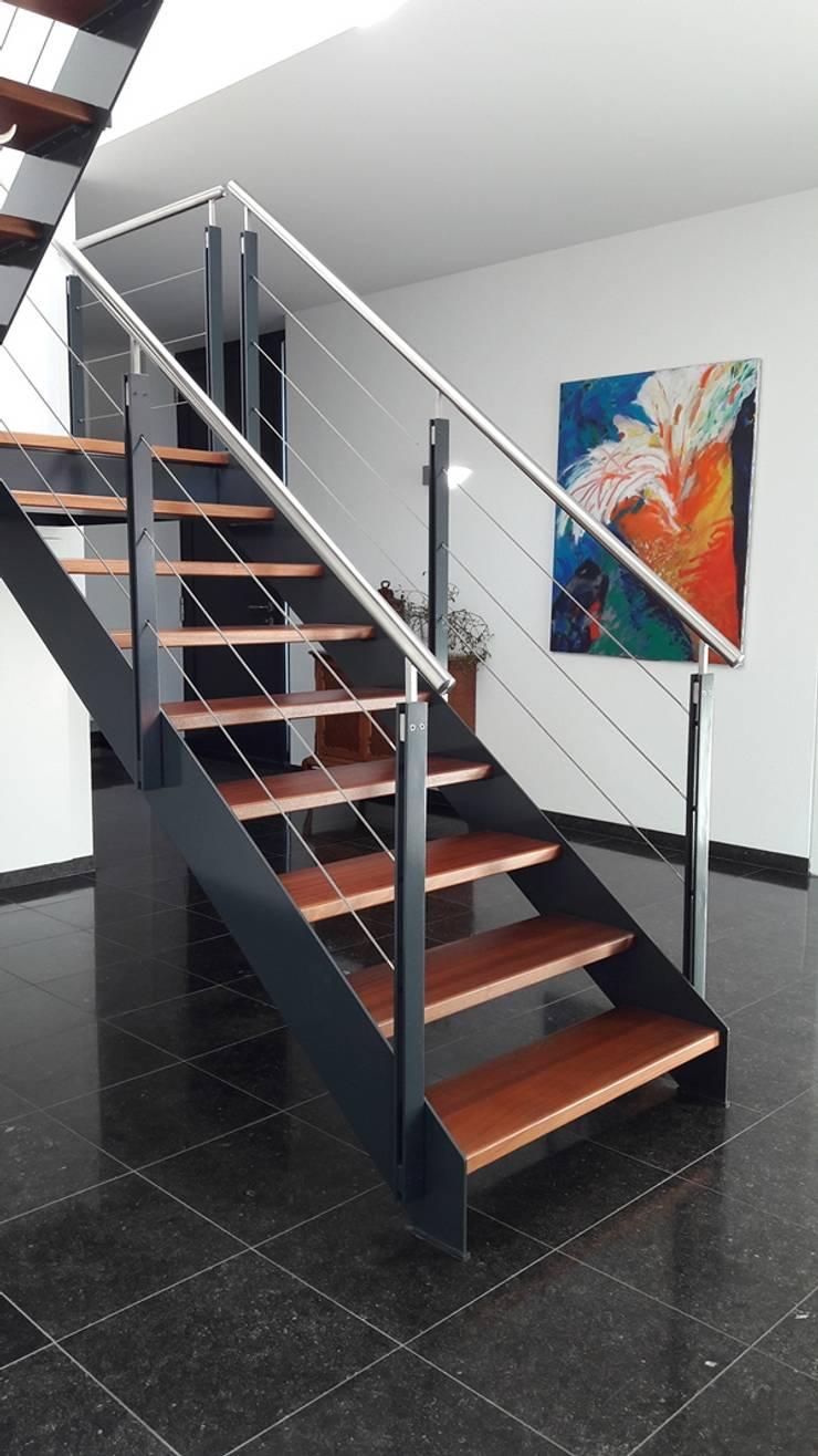 Villa LeVr:  Trap door Verheij Architecten BNA