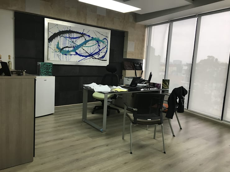 Oficina Directiva. Antes:  de estilo  por Soma & Croma
