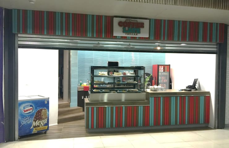 Café - Restaurant Coffe Late: Oficinas y tiendas de estilo  por Constructora ARCOX SpA.