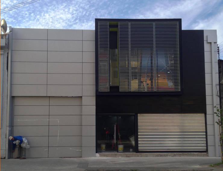 Edificio Preuniversitario Instituto Concepción:  de estilo  por Constructora ARCOX SpA.