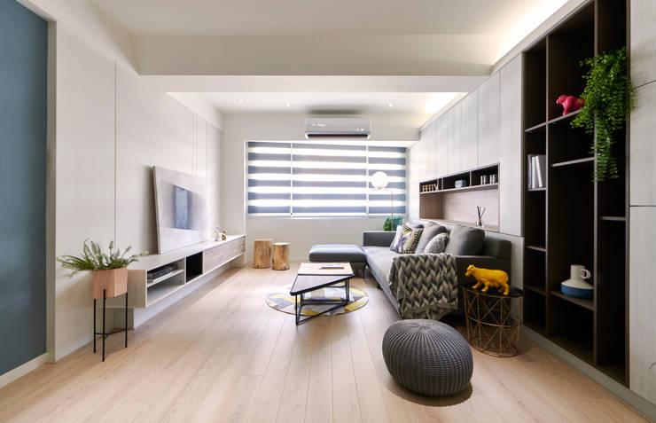 減法生活:  客廳 by 耀昀創意設計有限公司/Alfonso Ideas