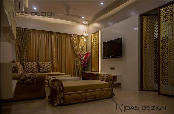3BHK @ Alta Monte Malad (East):  Living room by Midas Dezign,Modern