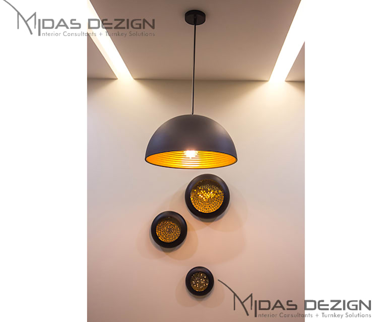 3BHK @ ALTA MONTE MALAD EAST:  Dining room by Midas Dezign