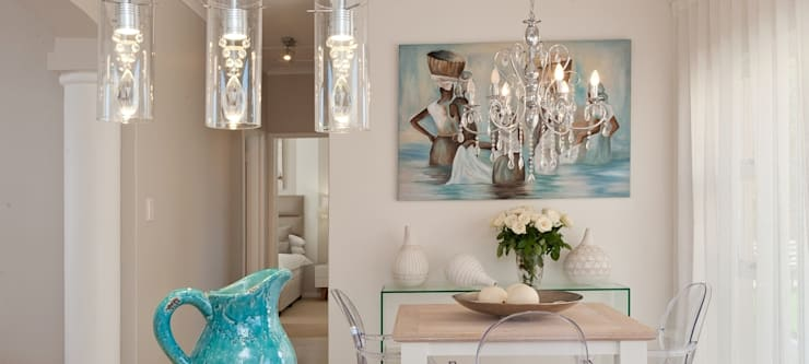 Kitchen Dining:  Dining room by Overberg Interiors