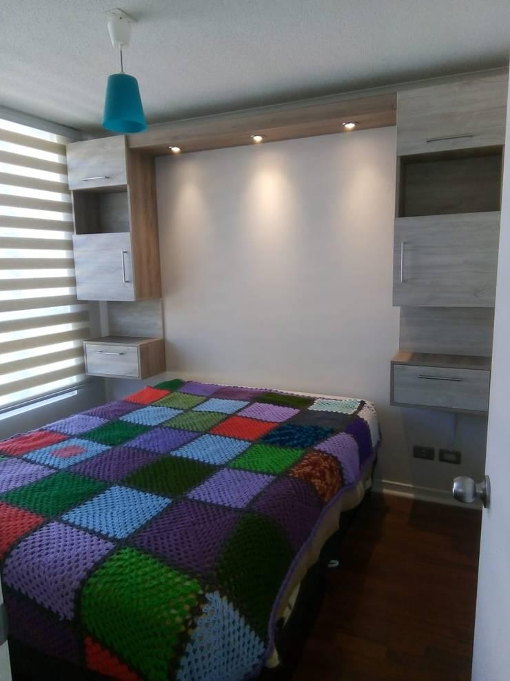 Mueble estantería volátil con luz : Dormitorios de estilo  por Muebles y vinilos