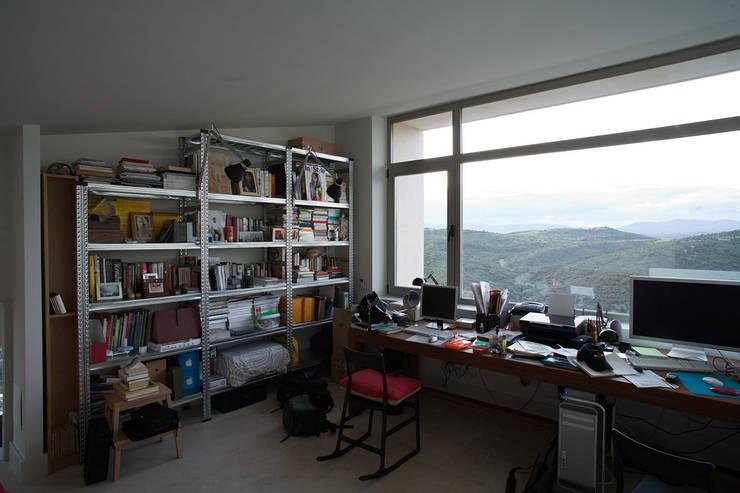 Casas con alma, arquitectura en Madrid: Estudios y despachos de estilo  de Otto Medem Arquitecto vanguardista en Madrid