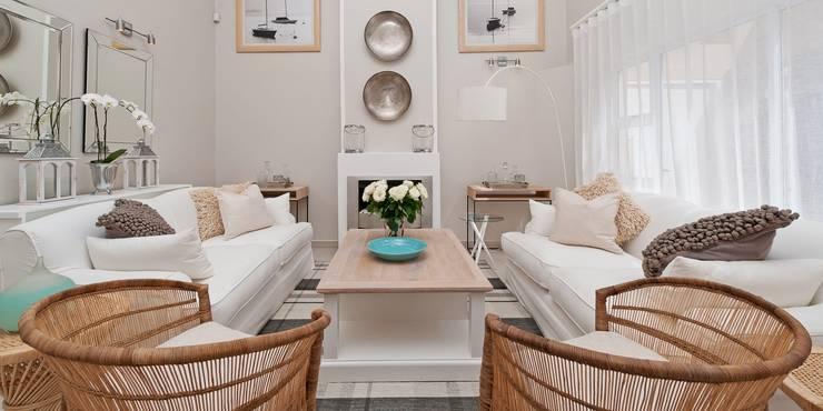 Livings de estilo  por Overberg Interiors