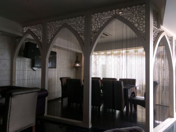"Ahad -Persian Lounge: {:asian=>""asian"", :classic=>""classic"", :colonial=>""colonial"", :country=>""country"", :eclectic=>""eclectic"", :industrial=>""industrial"", :mediterranean=>""mediterranean"", :minimalist=>""minimalist"", :modern=>""modern"", :rustic=>""rustic"", :scandinavian=>""scandinavian"", :tropical=>""tropical""}  by Studio Interiors Infra Height Pvt Ltd,"