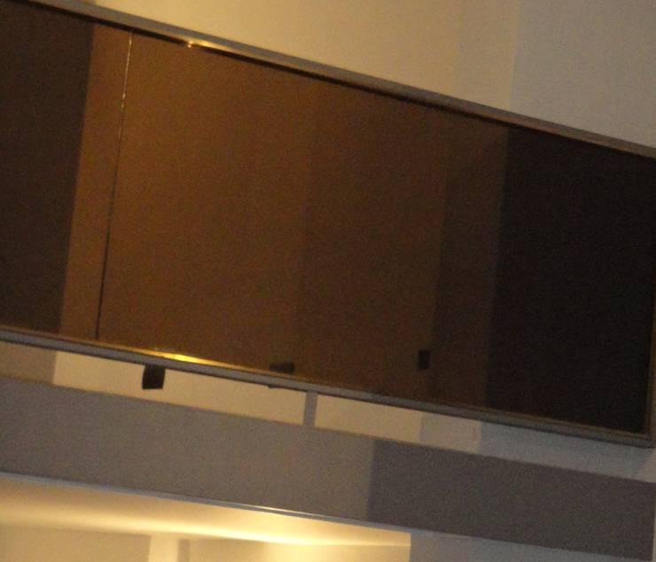 Detalle Baranda Entrepiso: Balcón de estilo  por GR Arquitectura,