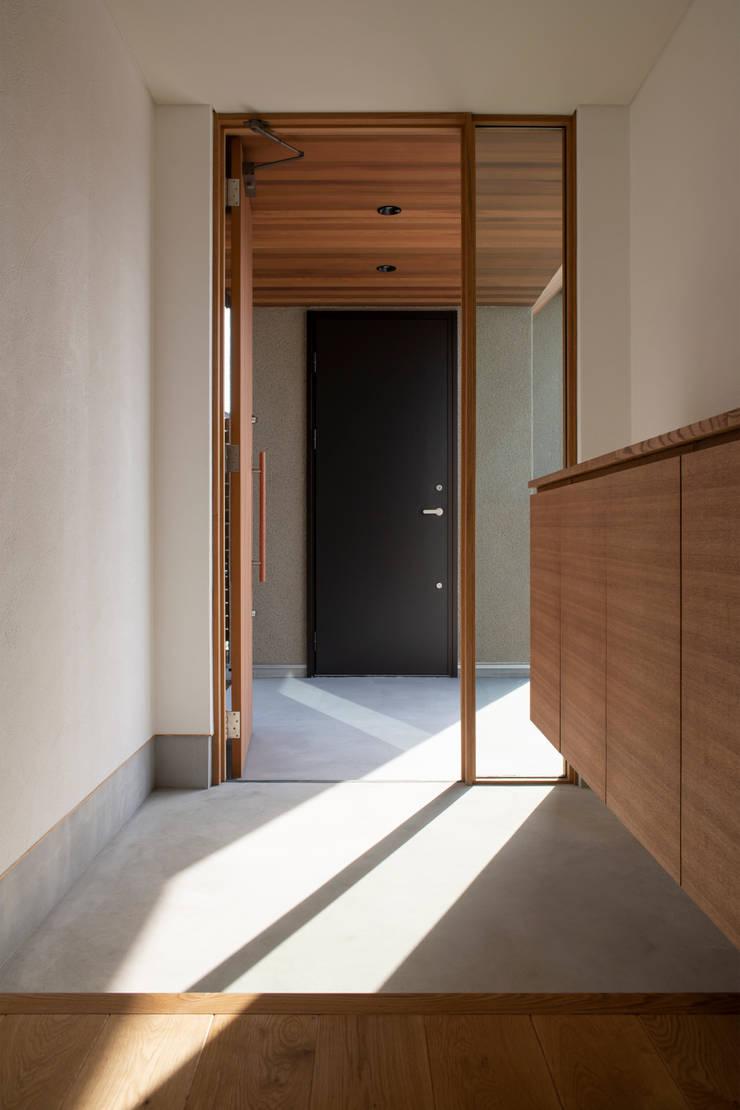 breeze: yuukistyle 友紀建築工房が手掛けた廊下 & 玄関です。,