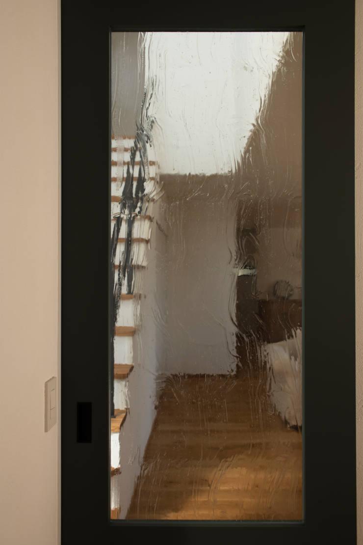 breeze: yuukistyle 友紀建築工房が手掛けたガラスドアです。,