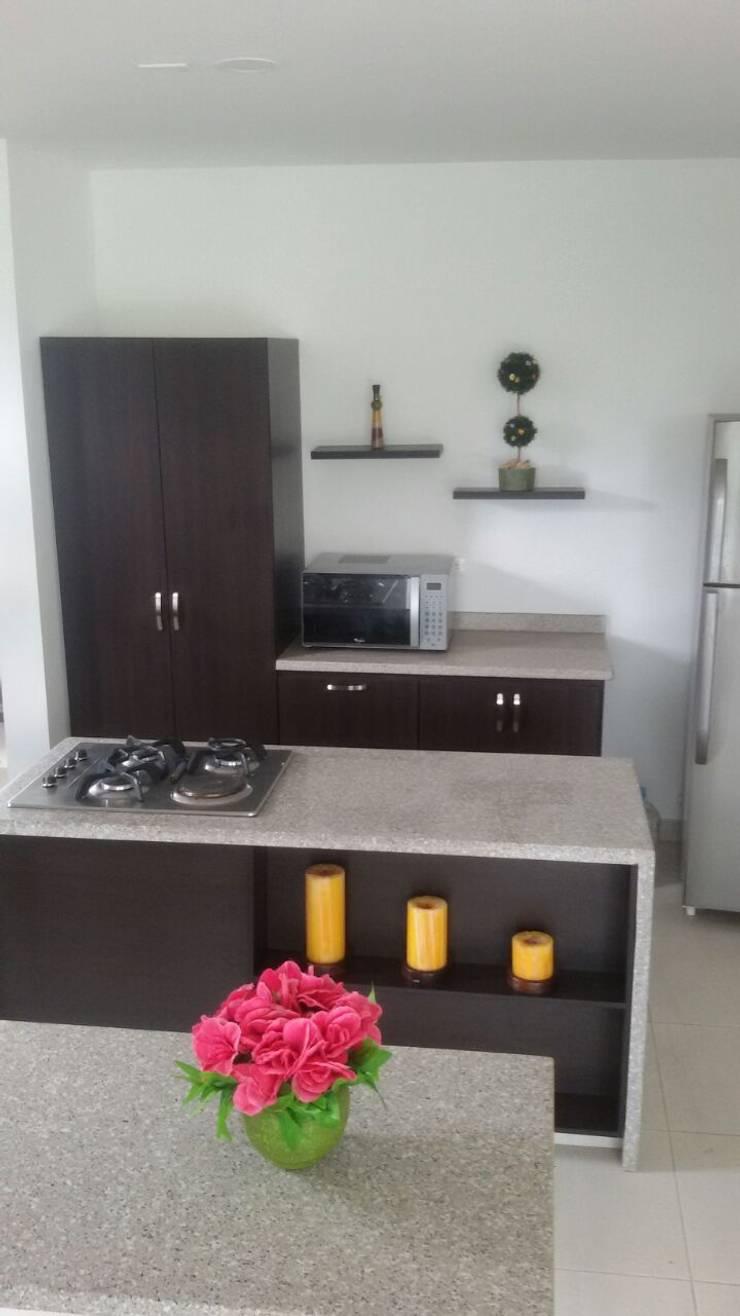 Remodelacion cocina integral Combia - Pereira: Cocinas integrales de estilo  por C&G Arte y Decoracion