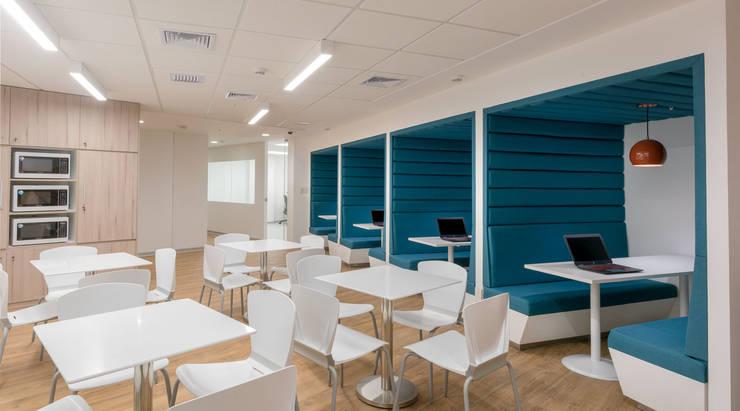 MEETING BOX utilizado por muchas empresas para realizar reuniones ordinarias o extraordinarias.:  de estilo  por LINEA & PUNTO - Diseño y Fabricacion de Muebles, Moderno