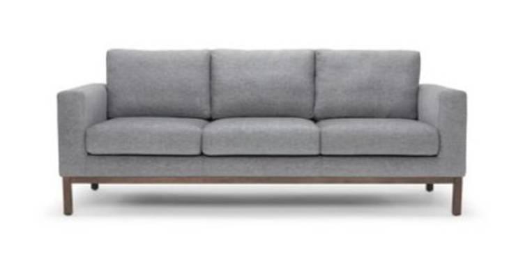 Sofa 3 cuerpos: Salas/Recibidores de estilo  por Shirley Palomino