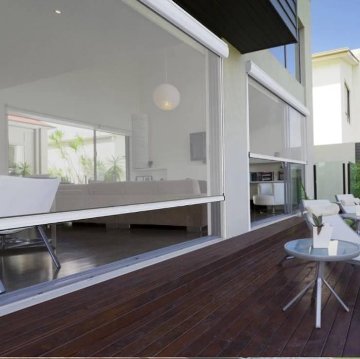 Toldos verticales:  de estilo  por Shirley Palomino, Moderno
